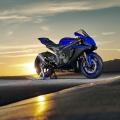 Мотоциклет Yamaha YZF-R1 - винаги готов за обиколка