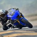 Мотоциклет Yamaha YZF-R6 - легенда, родена на пистата