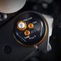 Мотоциклет Yamaha YZF-R6 - 43-милиметрови предни вилки KYB, тип R1, със специфични настройки за R6