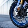 Мотоциклет YAMAHA YZF-R125 2019 - високотехнологичен радиален преден спирачен апарат с плаващ диск