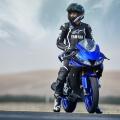 Мотоциклет YAMAHA YZF-R125 2019 - водещ в класа си, SOHC двигател с къс ход на буталото
