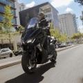 Скутер Yamaha TMAX 2019 - чистокръвна спортна порода с невероятно ускорение и производителност