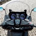 Скутер Yamaha TMAX 2019 - мултифункционално табло с високотехнологични TFT инструменти