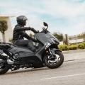 Скутер Yamaha TMAX 2019 Midnight Black - стабилна, маневрена, пъргава и сигурна езда дори и при голяма скорост