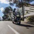 Скутер Yamaha TMAX 2019 Midnight Black - леко и прецизно управление в града9