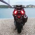Скутер Yamaha TMAX 2019 - гледката отзад към стопа не е за изпускане