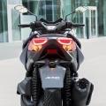 Скутер Yamaha X-MAX 400 2019 - LED задни светлини допълват стилната визия на опашката