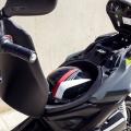Скутер Yamaha Aerox 4 2019 - резервоарът и багажното, побиращо една full-face каска, са на сигурно под седалката