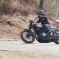 Мотоциклет Yamaha SCR950 2019 - пространство за краката, лесно и динамично управление