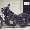 Мотоциклет Yamaha XV950R - със спортен дух, благодарение на обновеното си окачване