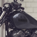 Мотоциклет Yamaha XV950R - капковиден, елегантен, 12-литров резервоар за семпъл, изчистен стил
