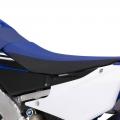 Мотоциклет Yamaha WR450F - нова, по-ниска и тясна седалка плюс алуминиево и с оптимизирана твърдост шаси
