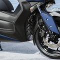 Скутер Yamaha X-MAX 300 2019 - мотоциклетен тип предница и голям размер джанти за повече стабилност