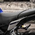 Седалка с равна повърхност и сини шевове Yamaha Flat Design, за мотоциклет MT-09 - 1RC247C04100